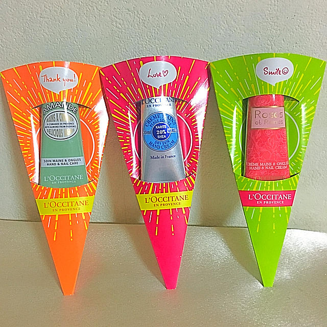 L'OCCITANE(ロクシタン)の新品未使用♪ロクシタンハンドクリーム3本セット コスメ/美容のボディケア(ハンドクリーム)の商品写真