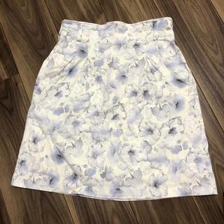 ミスティウーマン(mysty woman)の淡い 花柄 スカート(ひざ丈スカート)