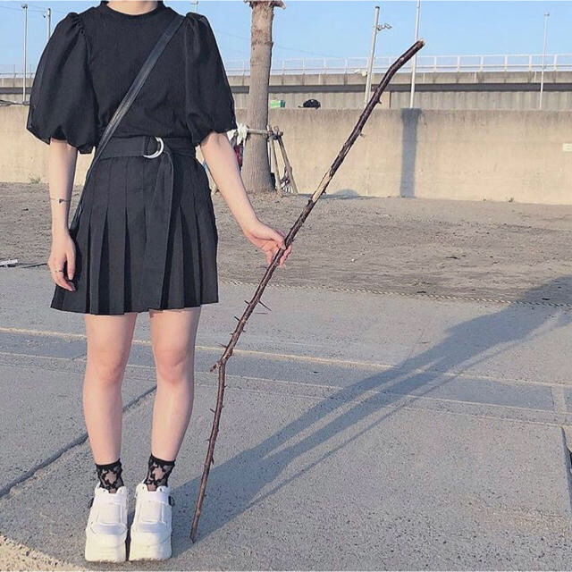 WEGO(ウィゴー)の黒プリーツ レディースのスカート(ミニスカート)の商品写真