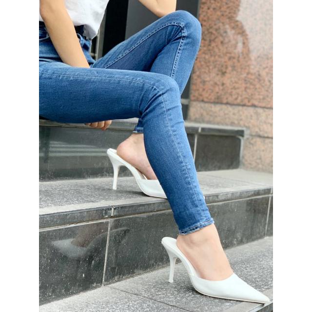GYDA(ジェイダ)の即日発送!!GYDAポインテッドミュール オフホワイト M レディースの靴/シューズ(ミュール)の商品写真