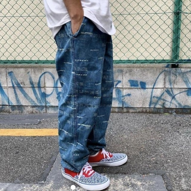 Supreme(シュプリーム)のDimensions Logo Denim Skate Pant S メンズのパンツ(デニム/ジーンズ)の商品写真