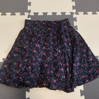 ローリーズファーム(LOWRYS FARM)のLOWRYS FARM 花柄 黒 スカート(ミニスカート)