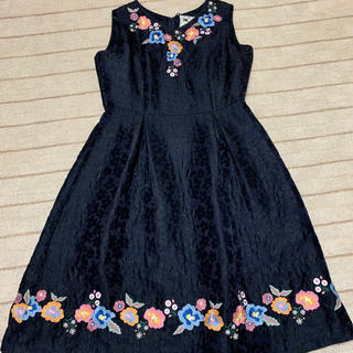 ローズティアラ(Rose Tiara)の新品ローズティアラ 花刺繍ワンピース(ひざ丈ワンピース)