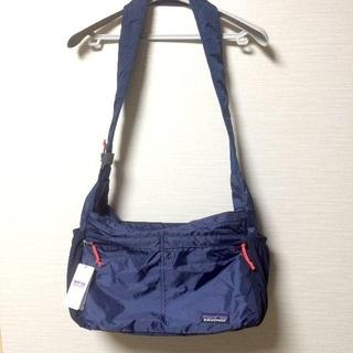 パタゴニア(patagonia)のパタゴニアLightweight Travel Courier Bag 15L紺(ショルダーバッグ)