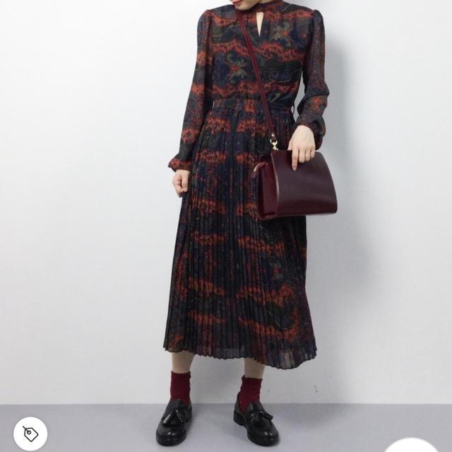 Ameri VINTAGE(アメリヴィンテージ)のPAISLEY PLEATS DRESS レディースのワンピース(ロングワンピース/マキシワンピース)の商品写真