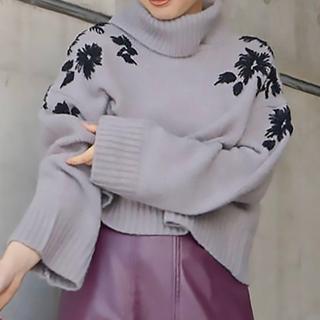 MERCURYDUO - マーキュリーデュオ 堀田茜さん着用 モール刺繍タートルニット 10260円