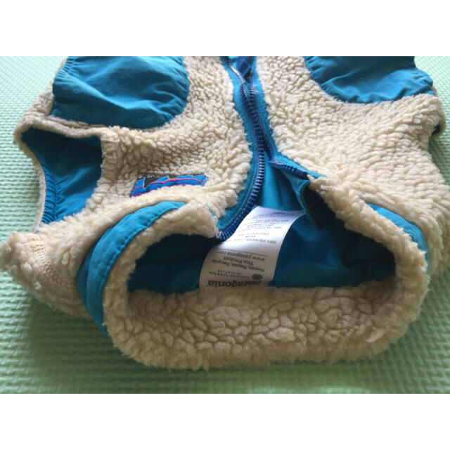 patagonia(パタゴニア)の12M レトロX 男の子 ボアベスト パタゴニア キッズ/ベビー/マタニティのベビー服(~85cm)(ジャケット/コート)の商品写真