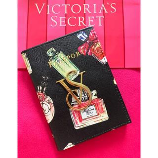 ヴィクトリアズシークレット(Victoria's Secret)のVictoria's Secret 「新品」香水柄パスポートケース(名刺入れ/定期入れ)