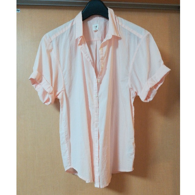 GAP(ギャップ)のGAP 半袖シャツ ピンク XS レディース レディースのトップス(シャツ/ブラウス(半袖/袖なし))の商品写真