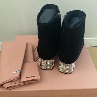 ミュウミュウ(miumiu)のmiumiu ミュウミュウ ビジュー ショート ブーツ バッグ(ブーツ)