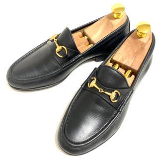 グッチ(Gucci)のGUCCI 6 B ホースビットローファー レディース ブラック レザーシューズ(ローファー/革靴)