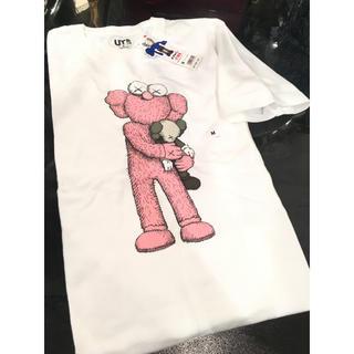 ユニクロ(UNIQLO)の【新品タグ付き】 ユニクロ UT×カウズ コラボ Tシャツ M(Tシャツ/カットソー(半袖/袖なし))
