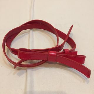 ヴィス(ViS)の送料込★赤いリボンがキュートなエナメルベルト(ベルト)