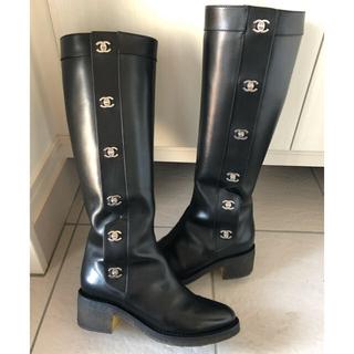 シャネル(CHANEL)のレアCHANELシャネル ターンロック ブーツ 40シャネルブーツ 愛沢えみり着(ブーツ)