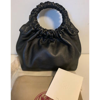 バーニーズニューヨーク(BARNEYS NEW YORK)の専用 THE ROW ザ ロウ circle bag small(ハンドバッグ)
