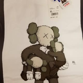 UNIQLO - ユニクロ × KAWS コラボTシャツ XLサイズ