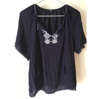 ギャップ(GAP)のGAP  半袖刺繍プルオーバーSサイズ(シャツ/ブラウス(半袖/袖なし))