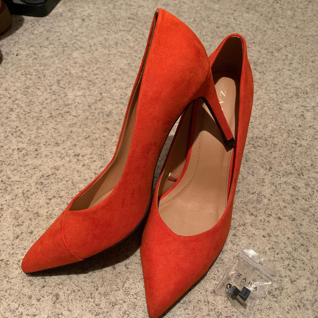 ZARA(ザラ)のZARA TRF ヒールパンプス オレンジ秋 レディースの靴/シューズ(ハイヒール/パンプス)の商品写真