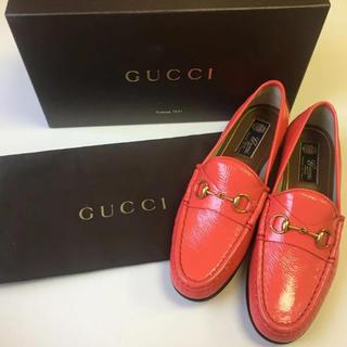 グッチ(Gucci)の新品♡GUCCI グッチ エナメル ローファー 38(ローファー/革靴)