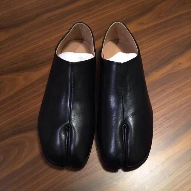Maison Martin Margiela(マルタンマルジェラ)の新品正規品 Maison Margiela Tabi タビ フラット シューズ メンズの靴/シューズ(スリッポン/モカシン)の商品写真