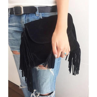トゥデイフル(TODAYFUL)のTODAYFUL フリンジクラッチバッグ スエード 鞄 秋 冬 黒 ブラック(クラッチバッグ)
