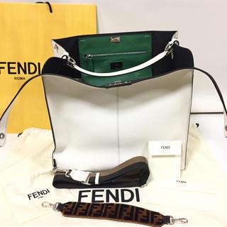 フェンディ(FENDI)の阪急百貨店購入フェンディ ピーカブー エックスライト トート 未使用!(トートバッグ)