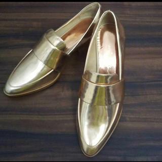 スリーワンフィリップリム(3.1 Phillip Lim)の3.1Philip limフィリップリム メタリックレザーローファー37.5(ローファー/革靴)