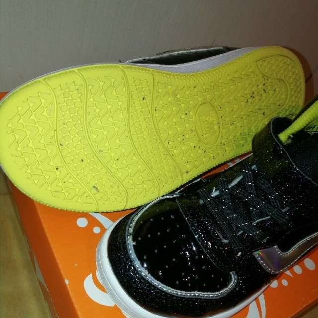 VANS(ヴァンズ)の専用 VANS キッズスニーカー V2023K 20.0cm キッズ/ベビー/マタニティのキッズ靴/シューズ (15cm~)(スニーカー)の商品写真
