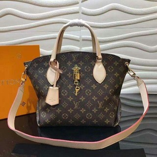 LOUIS VUITTON - LVルイ ヴィトン LOUIS VUITTON