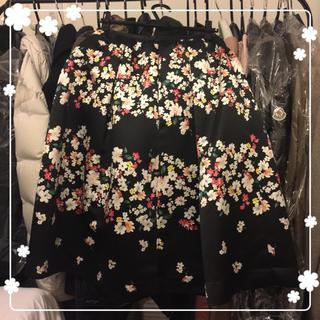 チェスティ(Chesty)のchesty フラワースカート 1 花柄 チェスティ ブラック 黒(ひざ丈スカート)