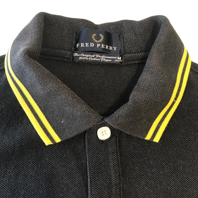 FRED PERRY(フレッドペリー)のフレッドペリー ポロシャツ ブラック Mサイズ メンズのトップス(ポロシャツ)の商品写真