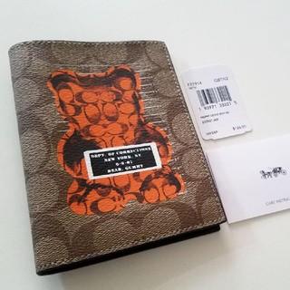 COACH - 新品【COACH】限定コラボ パスポートケース Vandal Gummy