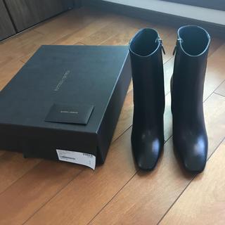 ボッテガヴェネタ(Bottega Veneta)の新品 未使用 ボッテガヴェネタ ショート ブーツ レザー ブラック 半額 以下(ブーツ)
