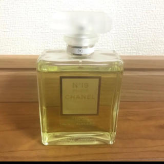CHANEL - シャネル 香水 N°19 プードレ オードゥ パルファム
