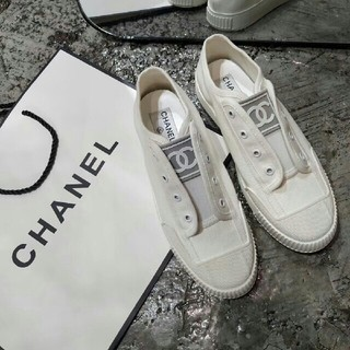 CHANEL - 美品 シャネルスニーカー