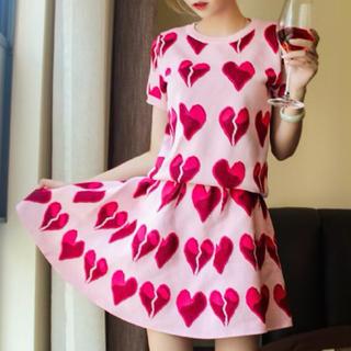 ミュウミュウ(miumiu)の新品 ハート柄 フレア スカート セットアップ ピンク グッチ ケイトスペード(ひざ丈スカート)