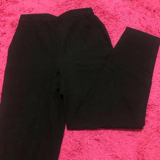 ジーユー(GU)のGU ジーユー テーパードパンツ 黒パンツ(サルエルパンツ)