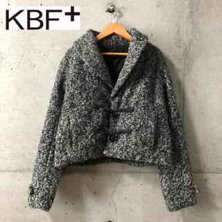 ケービーエフ(KBF)の【KBF+】ショート丈ダッフルコート F(ダッフルコート)