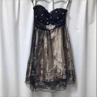 ビジュー付きベアドレス ブラック ベージュ 黒 フリーサイズ オケージョン(ミニドレス)