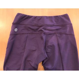 Suria スリア ボトム Mサイズ 赤紫 グレープ色(ヨガ)