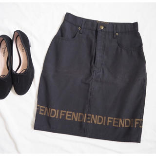 FENDI - 【フェンディ】美品 ロゴ スカート 黒 I42