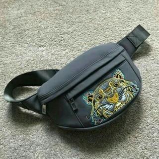 ケンゾー(KENZO)のKENZO 激レア*モノグラムバムバッグ(ボディーバッグ)