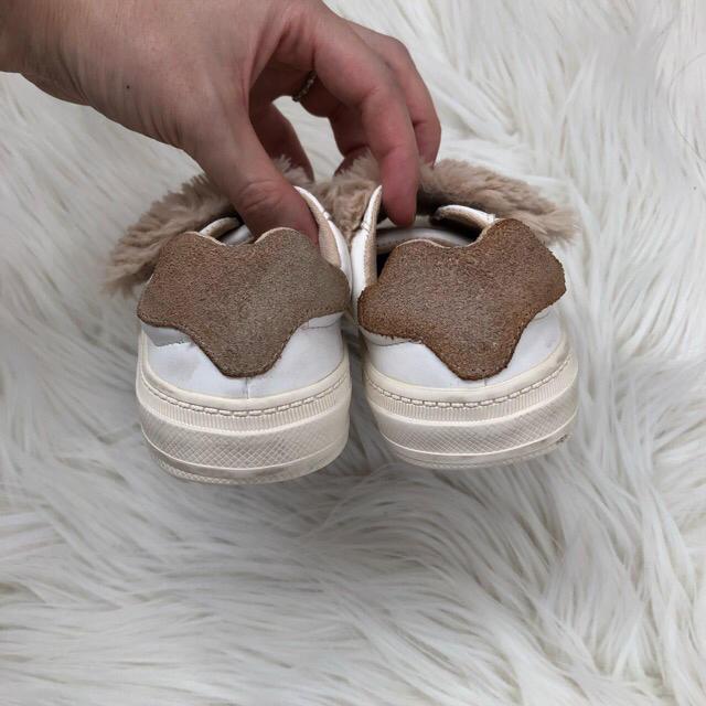 ZARA KIDS(ザラキッズ)のファースニーカー 最終値下げ キッズ/ベビー/マタニティのキッズ靴/シューズ (15cm~)(スニーカー)の商品写真