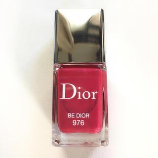 クリスチャンディオール(Christian Dior)のDiorクリスチャンディオールヴェルニ #976 ビー ディオールネイルカラー(カラージェル)