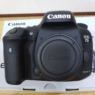 Canon - Canon EOS 7D Mark2 ボディ +BG-E16(バッテリーグリップ