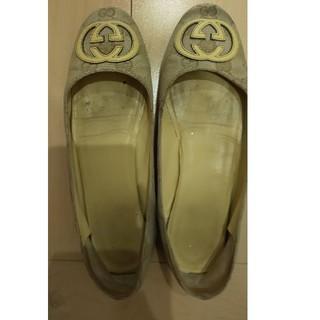 グッチ(Gucci)のGUCCI ペッタンコ靴(ローファー/革靴)