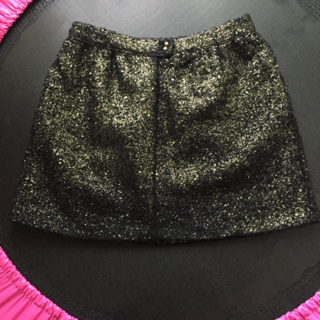 Chesty(チェスティ)の☆本日限定値下げ❣chestyブラック×ゴールドスカート 美品‼即完売❣☆ レディースのスカート(ミニスカート)の商品写真