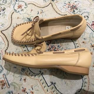 イング(ing)の美品 日本製 本革 ing のモカシン ローファー  ベージュ 23cm(ローファー/革靴)