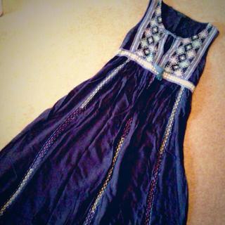 ジーナシス(JEANASIS)のJEANASIS刺繍ワンピ(ロングワンピース/マキシワンピース)