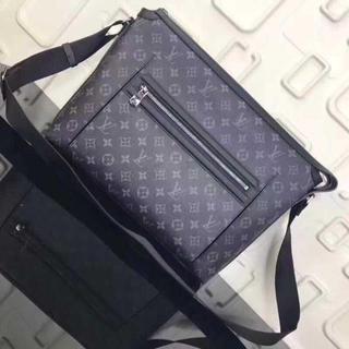LOUIS VUITTON - 極美品Louis Vuitton オディセ メッセンジャーバッグショルダーバッグ